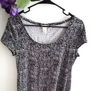 H&M Dress Short Sleeve Black and White